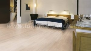 Kronotex Dynamic Clic Stejar Hacienda beige 2957 dormitor