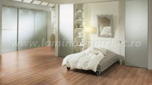 Kronotex Exquisit Stejar Stirling medium 2805 dormitor