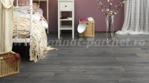 Kronotex Exquisit Stejar Pettersson grey 4765 dormitor