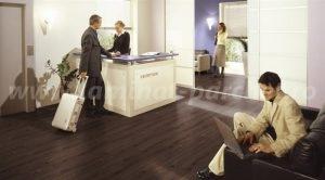 Kronotex Exquisit Stejar Prestige dark 4168 hotel