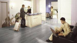 Kronotex Robusto Stejar alb 3181 hotel