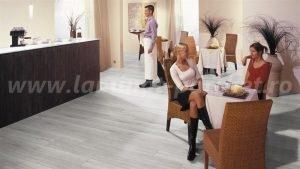 Kronotex Robusto Stejar alb 3181 restaurant